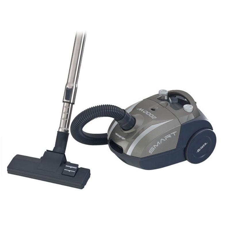 Пылесос Ariete 2784/01 SmartПылесосы<br>Пылесос Ariete 2784/01 Smart заставит вашу квартиру сиять чистотой. Он имеет бумажный мешок, систему прессования пыли. Эффективная работа, простота эксплуатации делают этот пылесос отличной альтернативой уборке с веником и тряпкой. Важная особенность – ножной переключатель. Не нужно каждый раз наклоняться, чтобы включить или выключить пылесос. Весит прибор 4,2 кг, вы сможете взять его с собой на дачу, чтобы убирать там. Регулятор мощности на корпусе – еще одна важная особенность. Не любите убирать? С этим пылесосом вы посмотрите на уборку по-другому.<br>...<br><br>Тип: Пылесос<br>Потребляемая мощность, Вт: 2000<br>Тип уборки: Сухая<br>Регулятор мощности на корпусе: Есть<br>Длина сетевого шнура, м: 79 дБ<br>Пылесборник: Мешок<br>Емкостью пылесборника : 2 л<br>Индикатор заполнения пылесборника: Есть