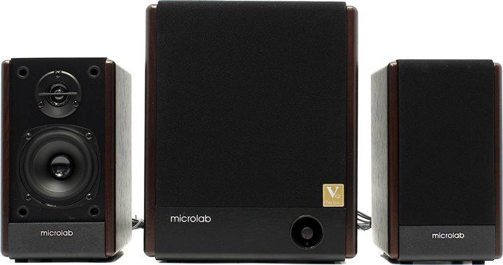 Компьютерная акустика Microlab FC 330Компьютерная акустика<br>Microlab FC-330 – классический представитель акустики 2.1. С помощью этой системы Вы сможете насладиться качественным звуком любимых музыкальных композиций, видеофильмов и игр.<br><br>Строгий, но в то же время очень оригинальный дизайн модели делают ее отличным вариантом как для поклонников классики, так и для любителей нового и ультрасовременного. Цвет модели «дерево» станет показателем хорошего вкуса владельца системы. Съемная сетка позволяет экспериментировать с дизайном.<br><br>Высокая громкость системы обеспечивается большим запасом мощности. Чистое...<br><br>Тип: 2.1<br>Суммарная мощность (RMS), Вт: 63<br>Материал корпуса сабвуфера: MDF<br>Материал корпуса фронтальных колонок/саттелитов: MDF<br>Минимальная воспроизводимая частота, Гц: 50<br>Максимальная воспроизводимая частота, Гц: 20000<br>Магнитное экранирование сабвуфера: есть<br>Магнитное экр-ие фронтальных колонок/саттелитов: есть