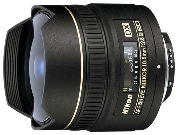 Объектив Nikon AF DX Fisheye 10,5mm f/2.8G ED(JAA629DA)Объективы<br>Nikon JAA629DA — первый фишай-объектив.<br>Объектив Nikon JAA629DA уже давно получает положительные отзывы и высокие оценки от фотографов. Еще бы, ведь это первый в мире фишай-объектив для цифровых фотокамер формата APS-C (DX).<br>Высокий уровень глубины и резкости позволяют добиться высочайшего качества деталей даже второго плана и сделать фото выразительным, используя совершенно любые жанры. У этого объектива нет встроенного мотора, поэтому скорость наведения резкости будет зависеть непосредственно от параметров фотокамеры. Это не является недостатком, так...<br><br>Тип: Объектив Рыбий глаз<br>Фокусное расстояние: 10.5 мм<br>Диафрагма: F2.80<br>Минимальная диафрагма: F22<br>Крепление: Nikon F<br>Число элементов / групп элементов: 10 / 7<br>Число лепестков диафрагмы: 7<br>Число низкодисперсных элементов: 1<br>Угол обзора: 180 град.мин<br>Минимальное расстояние фокусировки: 0.14 м