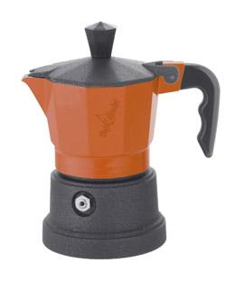 Кофеварка Top Moka Caffettiera Top 6 п. teflon OrangeКофеварки и кофемашины<br>TOP MOKA произведена из высококачественных материалов и имеет привлекательный дизайн. Кофе получается насыщенным и ароматным.<br><br>Основные особенности<br>- материал - алюминий &amp;#40;для пищевых целей в соответствии с EN 601&amp;#41;<br>- силиконовая прокладка обеспечивает более высокую термостойкость &amp;#40;до 300°C&amp;#41;<br>- кофеварку можно использовать на газовых, электрических и керамических нагревательных поверхностях<br>- широкое основание позволяет распределять высокую температуру по всей площади кофеварки<br><br>Рекомендации по эксплуатации и обслуживанию кофеварки<br>- при первом...<br><br>Тип : гейзерная кофеварка<br>Объем, л: 0,24<br>Материал корпуса  : Металл