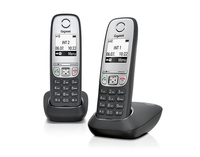 Радиотелефон Gigaset A415 DUO, BlackРадиотелефон Dect<br><br><br>Тип: Радиотелефон<br>Количество трубок: 2<br>Стандарт: DECT/GAP<br>Радиус действия в помещении / на открытой местност: 50 / 300<br>Возможность набора на базе: Нет<br>Проводная трубка на базе : Нет<br>Время работы трубки (режим разг. / режим ожид.): 18 / 200<br>Полифонические мелодии: 20<br>Дисплей: черно белый<br>Журнал номеров: 20