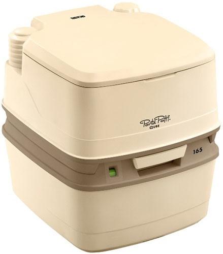 Биотуалет Thetford Porta Potti Qube 165LБиотуалеты<br>Биотуалет - это туалет со смывом водой со специальной жидкостью, который работает точно также, как Ваш домашний туалет, но, в то же время, настолько компактен, что занимает очень мало места в ванной комнате дома или дачи. Малый вес биотуалета позволяет легко его доставить в любое нужное место. Прочность материалов, из которых изготовлен биотуалет, гарантирует многолетний срок его эксплуатации вне помещения &amp;#40;гарантия фирмы Thetford на материалы – 10 лет&amp;#41;. Гигиеничность конструкции позволяет использовать биотуалет в условиях детских и больничных...<br><br>Тип: биотуалет<br>Объем нижнего бака биотуалета для стоков: 21 л<br>Верхний бак для смывной воды: 15 л<br>Количество пользователей : 3