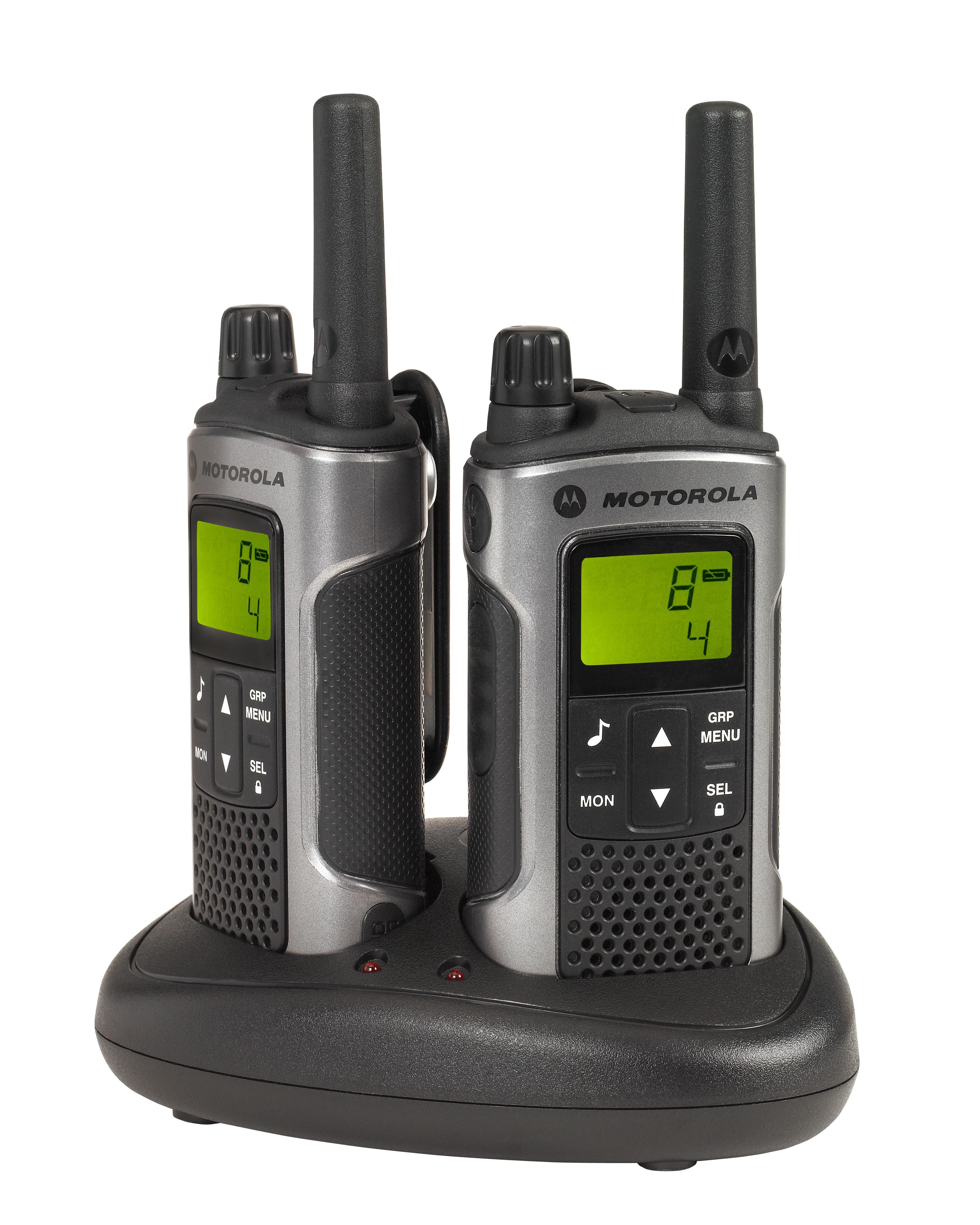 Комплект радиостанций Motorola TLKR-T80Радиостанции<br>Радиостанция Motorola TLKR T80<br>Высококачественная, надежная, но простая в использовании рация TLKR T80 предоставляет все характеристики, необходимые для таких экстремальных сред. Умопомрачительные функциональные возможности, включая рабочий диапазон до 10 км*, удобный встроенный светодиодный фонарик и корпус с защитой от брызг — рация TLKR T80 позволяет оставаться на связи.<br>Для использования рации T80 не требуется лицензия, рация отличается такими основными характеристиками, как ЖК-дисплей, 8 каналов и диапазон действия 10* км без платы за разговоры.<br><br>Тип: Комплект радиостанций<br>Диапазон частот: 446.006-446.094 МГц<br>Радиус действия: 10 км.<br>Количество каналов: 8 каналов и 121 код обеспечивают 968 комбинаций каналов.