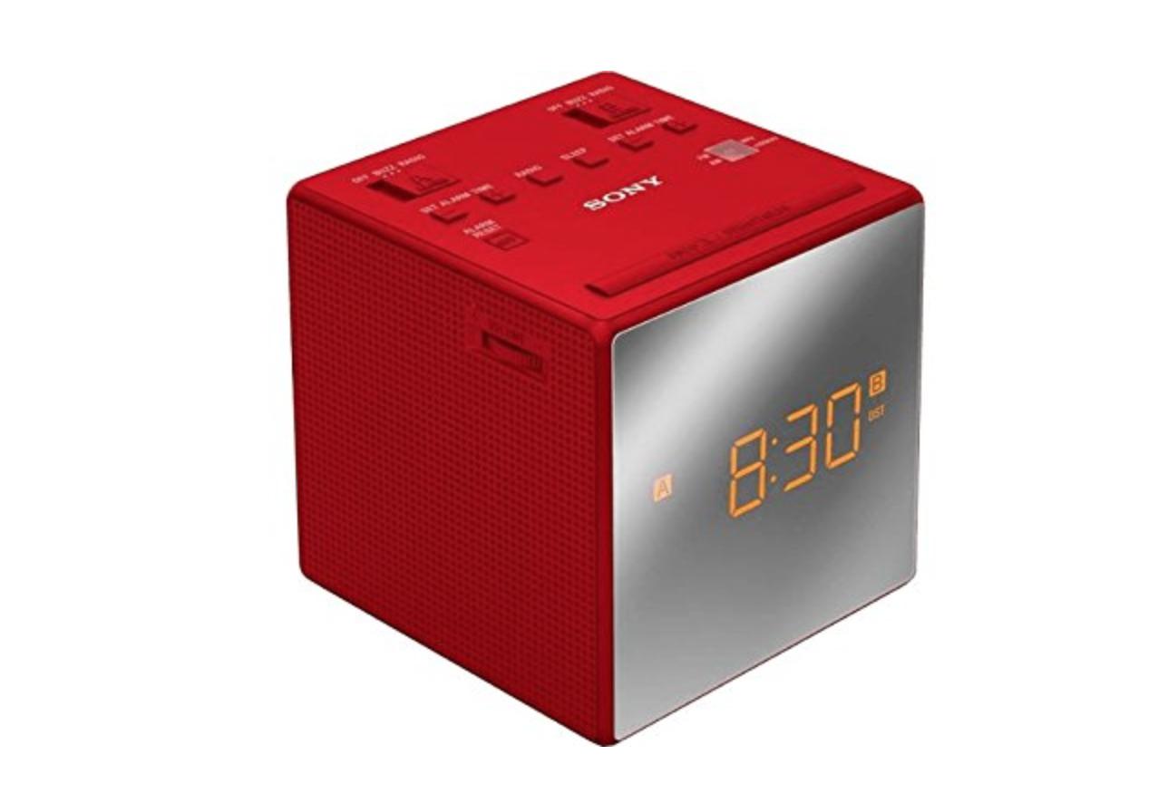 Радиобудильник Sony ICF-C1T RedРадиобудильники, приёмники и часы<br>- Двойной сигнал<br>Радиочасы имеют два предустановленных будильника. Настройте оба будильника на нужное вам время, и вы ни за что не проспите.<br><br>- Нет электропитания – не беда.<br>Будильник не даст вам проспать. Сигнал будильника сработает в установленное время, даже если батарея села.<br><br>- Стильный дизайн<br>Элегантный стиль с зеркальным экраном. Такие часы идеально впишутся в интерьер вашей спальни.<br><br>- Аналоговый тюнер AM/FM<br>Настройтесь на выбранную вами станцию и получите удовольствие от прослушивания любимых радиопередач в любой момент.<br><br>- Удобное в использовании...<br><br>Тип: Радиобудильник<br>Тип тюнера: Аналоговый<br>Колличество динамиков  : 1<br>Часы: Есть<br>Встроенный будильник  : Есть
