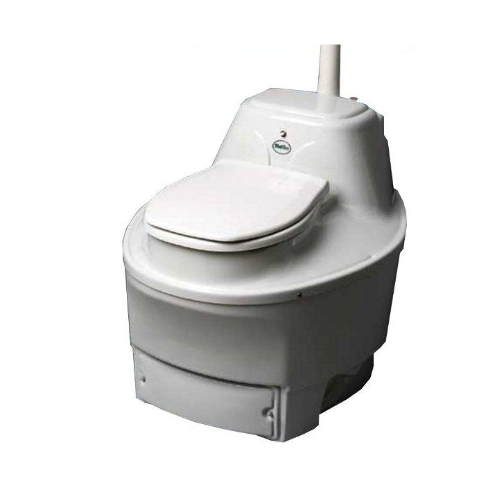 Биотуалет Biolet Mulltoa 25Биотуалеты<br>Туалеты Biolet Mulltoa, успешно работающие на рынке уже более 30 лет, являются самыми популярными компостирующими туалетами в мире, а также первыми подобными туалетами, прошедшими испытания в государственных и независимых лабораториях в Скандинавии, США и других странах мира. Biolet станет для Вас лучшим приобретением с точки зрения комфорта, охраны окружающей среды и финансовых затрат.<br><br>Принцип работы:<br>Природа сама производит компостирование. В теплую погоду естественные аэробные микроорганизмы, находящиеся в почве, перерабатывают листья, траву и...<br><br>Тип: биотуалет<br>Количество пользователей : 3-4 человека