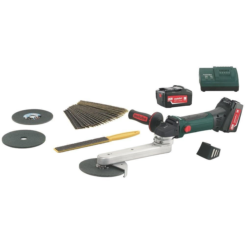 Угловая шлифмашина Metabo KNS 18 LTX 150 5.2Ah x2 Set [600191880]Шлифовальные и заточные машины<br>Комплект поставки:<br>- каркас Metabo KNS 18 LTX 150 Inox<br>- защитный кожух<br>- опорный фланец<br>- зажимная гайка<br>- рукоятка<br>- пылевой фильтр<br>- ключ под два отверстия<br>- шестигранный ключ<br>- 2 аккумулятора Li-Power емкостью 5.2 Ач<br>- зарядное устройство ASC-30, AIR-Cooled<br>- пластиковый кейс<br><br>Особенности модели:<br>- Пролезет между прутьями решетки - Данная модель имеет возможность поворота аккумуляторного блока.<br>- Работа в труднодоступных местах - Для удобной работы в труднодоступных местах консоль можно поворачивать на 270 градусов.<br>- Удобное пользование - Узкий корпус аккумуляторного шлифователя...<br>