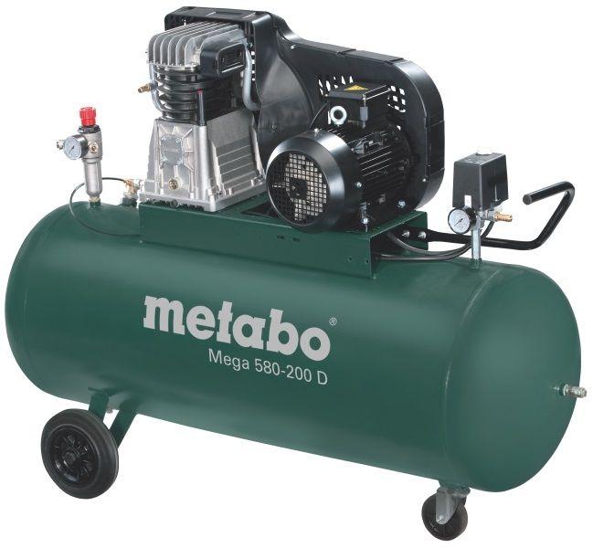 Компрессор Metabo Mega 580-200 D [601588000]Воздушные компрессоры<br>Комплект поставки:<br>- Компрессор Metabo Mega Mega 580-200 D<br>- 3 универсальные соединительные муфты<br>- транспортировочные колеса<br>- картонная коробка<br> <br>Особенности модели:<br>- Защитный кожух - Ременная система компрессора Metabo Mega 580-200 D закрыта специальным кожухом для защиты от механических повреждений.<br>- Простота контроля - Есть два манометра для индикации рабочего давления на входе и выходе из ресивера.<br>- Маневренность - Большие колеса служат для легкого перемещения агрегата по рабочей зоне, малые поворотные колесики - для маневренности.<br><br>Преимущества:<br>- Мощный компрессор;...<br>
