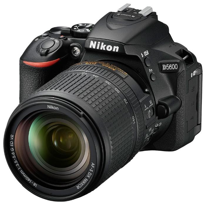 Зеркальный фотоаппарат Nikon D5600 + AF-P 18-55 VR + AF-P 70-300 VRЦифровые зеркальные фотоаппараты<br><br><br>Тип: Цифровая зеркальная фотокамера<br>Видеорежим: есть<br>Звук в видеоклипе: есть<br>Вспышка: есть<br>Кроп фактор: 1.5<br>Тип матрицы: CMOS<br>Размер матрицы: APS-C (23.5 x 15.6 мм)<br>Число эффективных пикселов, Mp: 24,2<br>Чувствительность: 100 - 3200 ISO, Auto ISO<br>Функции очистки матрицы: есть