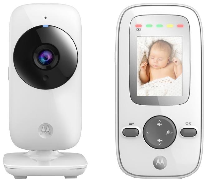 Радионяня Motorola MBP481 WhiteРадионяни<br>Видеоняня Motorola MBP481 - современное устройство, которое «присмотрит» за малышом и подарит спокойствие его родителям. Не обязательно находиться в одной комнате со своим ребенком, чтобы быть в курсе его дел или состояния: благодаря беспроводной технологии вы сможете видеть и слышать кроху, находясь на кухне или отдыхая в спальне. Даже в ночное время суток вы сможете наслаждаться отличным качеством изображения, а возможность регулировки громкости звука и яркости ЖК-дисплея позволят вам настроить родительский блок «под себя» для максимального ...<br><br>Количество каналов: 21