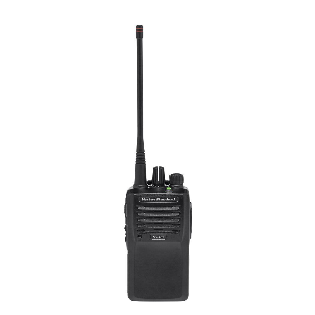 Радиостанция Vertex VX-261-G6-5Радиостанции<br>Vertex Standard VX-261-G6-5 носимая рация<br>&amp;nbsp;&amp;nbsp;Рация Vertex VX 261 - портативное профессиональное устройство UHF-диапазона, пришедшее на смену радиостанции Vertex VX-231 UHF. Главной особенностью VX-261 является её компактность и небольшой вес при высокой функциональности и продолжительном времени работы от одного заряда аккумулятора в режиме экономии энергии и повышенными характеристиками устойчивости устройства к внешним воздействиям, соответствующими стандарту безопасности IP55. Из радиостанций схожего ценового сегмента, рация VX 261 выделяется расширенным функционалом...<br><br>Тип: Компактная Радиостанция<br>Стандарт: LPD/PMR<br>Диапазон частот: 403-470 МГц<br>Мощность передатчика: 4 Вт<br>Количество каналов: 16