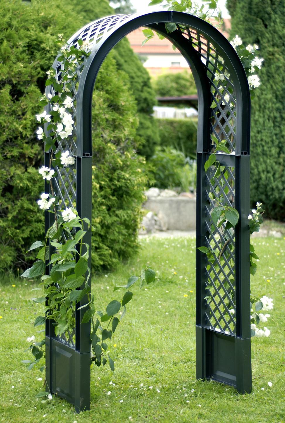 Садовая арка KHW 37903 GreenСадовые конструкции<br>Декоративная садовая арка KHW применяется в оформлении ландшафта участка, так как позволяет создать уникальный и ухоженный вид садовому участку. Арка применяется для оформления садовых дорожек, входа в дом или веранду. Она станет одной из самых красивых украшений сада. <br><br>Садовая арка KHW представляет собой решетчатую конструкцию, изогнутую в виде арки. Такое изделие отлично подойдет для вьющихся растений. В основании арки имеются штыри для прочной установки ее в землю. <br><br>Материал, из которого изготовлена арка KHW - полипропилен, не требует особого...<br><br>Тип: садовая арка<br>Материал : полипропилен<br>Ящик для растений: нет