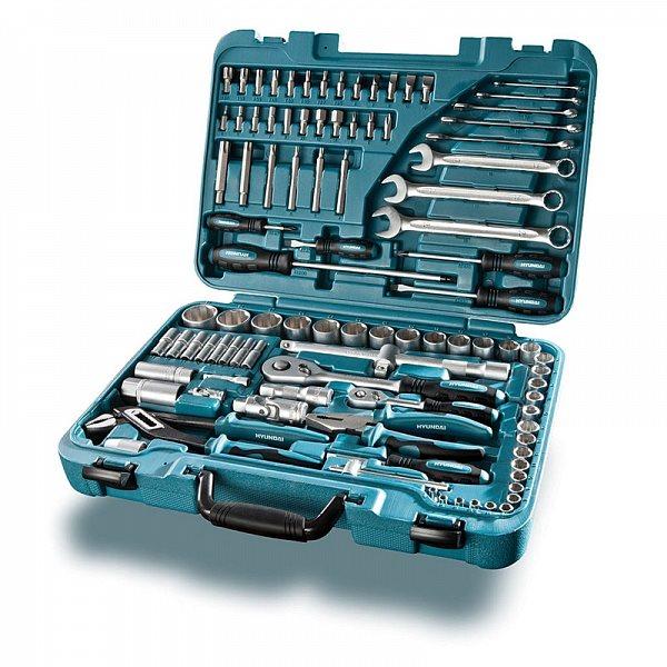 Набор инструмента Hyundai К 98Инструменты<br>Универсальный набор K 98 от южнокорейской компании Hyundai для бытового и профессионального применения.<br><br>В комплект набора входит 98 предметов, включающий в себя широкий ассортимент торцевых головок и вспомогательных инструментов, выполненных из крепкой хром-ванадиевой стали.<br><br>Набор комплектуется узким пластиковым кейсом для удобства хранения и переноски.<br><br>Основные особенности:<br><br>Прочный пластиковый кейс<br>Весь инструмент изготовлен из хром-ванадиевой стали &amp;#40;CrV&amp;#41;<br>Профиль торцевых головок Superlock<br>Профессиональное качество и долгий срок службы Long...<br><br>Тип: набор инструмента