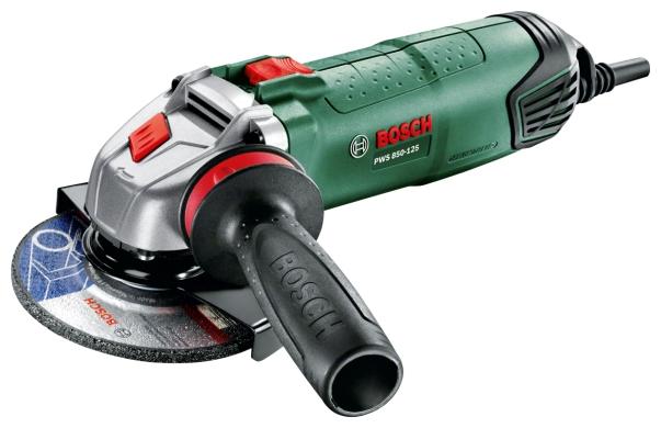 Угловая шлифмашина Bosch PWS 850-125 [06033A2720]Шлифовальные и заточные машины<br>Мощь под надежным контролем<br><br>Потребительские преимущества<br>- Мощная угловая шлифмашина PWS 850-125 от Bosch — это оптимальный инструмент для резки, шлифования, крацевания, а также для резки керамической плитки и бетонного камня<br>- Антивибрационная рукоятка для максимального комфорта, особенно при выполнении сложных работ в непрерывном режиме<br>- Оптимизированная эргономичная форма и рукоятка с возможностью установки с любой стороны гарантируют всегда безопасное и уверенное использование<br><br>Дополнительные преимущества<br>- Повышение эффективности и контроля...<br>