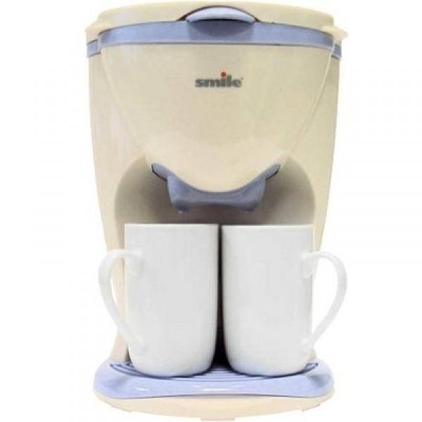 Кофеварка Smile KA 781Кофеварки и кофемашины<br>Улыбнитесь вместе со Smile KA 781!<br>Улыбнитесь новому дню, выпив чашечку свежего и ароматного кофе, приготовленного в кофеварке Smile KA 781! Раз — засыпьте свой любимый молотый кофе, два — добавьте воды, три — нажмите на кнопку включения, четыре — получите ваш любимый кофе, сваренный по всем правилам!<br>Как вы сами видите, готовить кофе с такой кофеваркой — одно удовольствие. Впрочем, готовить вам не придется, всю работу по приготовлению кофе вашей мечты выполнит это умное устройство.<br>Обратите внимание, что в комплектацию входят две красивые керамические...<br><br>Тип : капельная кофеварка<br>Тип используемого кофе: Молотый<br>Мощность, Вт: 450<br>Фильтр  : Постоянный<br>Материал корпуса  : Пластик<br>Одновременное приготовление двух чашек  : Нет<br>Съемный лоток для сбора капель  : Есть