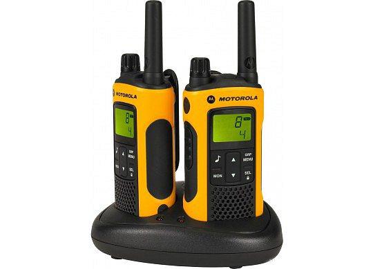 Комплект радиостанций Motorola TLKR-T80 EXTREMEРадиостанции<br>Рация TLKR T80 Extreme с непревзойденным качеством, прочностью и защитой от любых погодных условий готова к приключениям в самых сложных условиях. С диапазоном действия до 10 км*, надежной, водонепроницаемой конструкцией и необходимыми аксессуарами рация TLKR T80 Extreme позволяет оставаться на связи в самых безумных походах и на высочайших вершинах.<br>Для использования рации T80 extreme не требуется лицензия, рация отличается такими основными характеристиками, как ЖК-дисплей, 8 каналов и диапазон действия 10* км без платы за разговоры.<br><br>Тип: Комплект радиостанций<br>Диапазон частот: 446-446.1 МГц<br>Радиус действия: 10 км.<br>Количество каналов: 8 каналов и 121 код обеспечивают 968 комбинаций каналов.