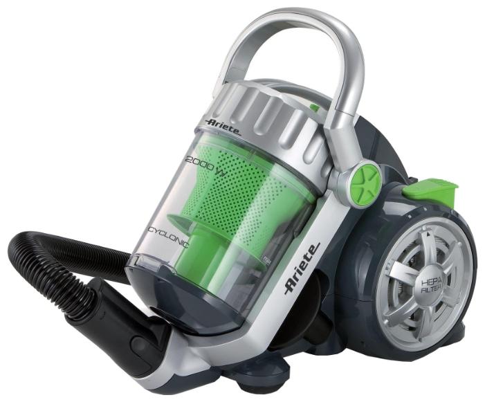 Пылесос Ariete 2798Пылесосы<br>Современный безмешковый пылесос Ariete 2798 характеризуется высокой мощностью работы, небольшими габаритами и ценой, отвечающей высокому качеству устройства. Благодаря ему уборка Вашего дома станет комфортной и эффективной. Высокая мощность устройства, проявляемая как в мощности всасывания &amp;#40;380 Вт&amp;#41;, так и в максимальном уровне мощности &amp;#40;2000 Вт&amp;#41;, способна регулироваться при помощи переключателя на рукоятке устройства. Благодаря наличию такой возможности можно понизить уровень энергопотребления устройства, а современная система фильтр...<br><br>Тип: Пылесос<br>Потребляемая мощность, Вт: 2000<br>Тип уборки: Сухая<br>Регулятор мощности на корпусе: Нет<br>Длина сетевого шнура, м: 5<br>Фильтр тонкой очистки: Есть<br>Пылесборник: Циклонный фильтр<br>Емкостью пылесборника : 3.50 л
