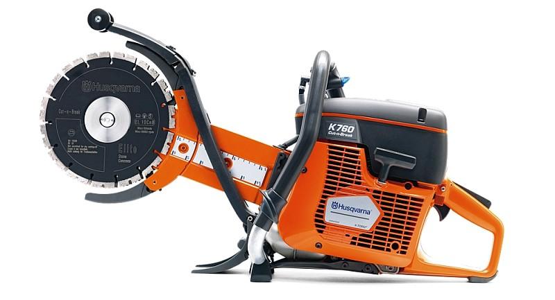 Бензорез Husqvarna K760 Cut-n-Break EL35Пилы<br>Бензорез Husqvarna K 760 Cut-n-Break теперь оснащается диском Cut-n-Break нового типа с улучшенными высокопрочной основой и характеристиками резки. Этот бензорез способен поэтапно резать стены толщиной до 400 мм. Модель Cut-n-Break с устанавливаемым в стандарте 73-кубовым двигателем - большой шаг в направлении повышения производительности бензорезов. Этот бензорез также отличается уменьшенными уровнями шума и высокоэффективной системой подавления вибраций. Одна из самых эффективных центробежных систем очистки воздуха нового поколения Active Air Filtration™ позволяет...<br><br>Тип: бензорез<br>Мощность, Вт: 3,7 кВт<br>Объем двигателя: 74 см3