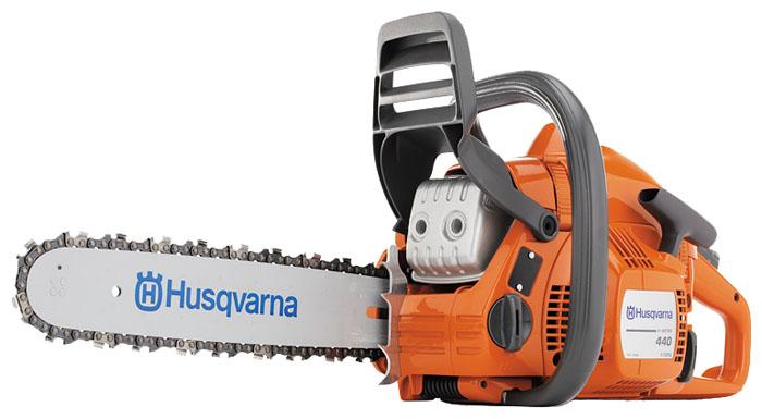 Бензопила Husqvarna 440eПилы<br><br><br>Тип: бензопила<br>Конструкция: ручная<br>Мощность, Вт: 1800<br>Объем двигателя: 41 куб. см<br>Функции и возможности: антивибрация, тормоз цепи