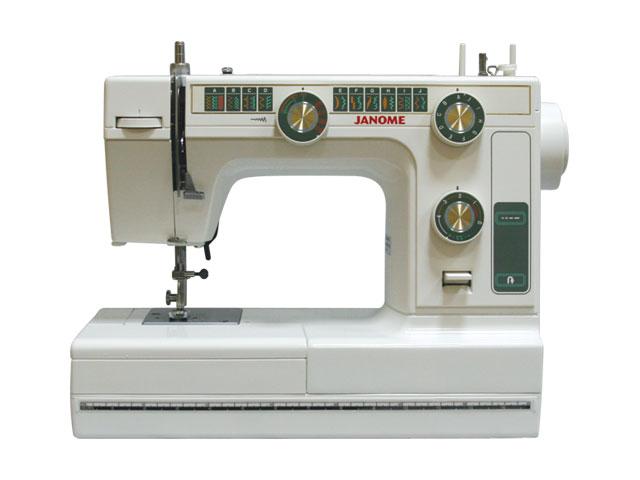 Швейная машина Janome L-394 / LE 22Швейные машины<br>Janome le 22 — ваш секрет успеха!<br>Электромеханическая швейная машина Janome le 22 пользуется огромной популярностью и среди начинающих любителей швейного искусства, и даже среди настоящих профессионалов. В чем секрет такого успеха? Конечно же, в высоком качестве и надежности машинки. Но это еще не все.<br>Модель le 22 поражает своей многозадачностью. Она идеально справляется с любой тканью и материалом, умеет выполнять 21 швейную операцию, к тому же очень понятна и проста в эксплуатации. Даже новички в швейном деле оставляют свои благодарные отзывы об этой...<br><br>Тип: электромеханическая<br>Тип челнока: качающийся<br>Вышивальный блок: нет<br>Количество швейных операций: 21<br>Максимальная длина стежка: 4.0 мм<br>Максимальная ширина стежка: 5.0 мм<br>Оверлочная строчка : есть<br>Эластичная строчка : есть<br>Регулировка давления лапки на ткань: есть<br>Регулировка скорости шитья: плавная