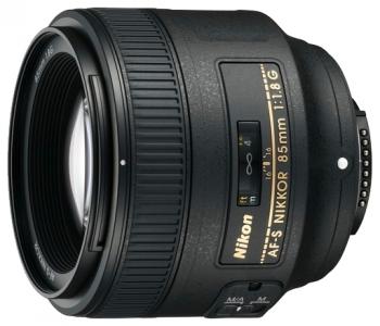 Объектив Nikon AF-S 85mm f/1.8G (JAA341DA)Объективы<br>Nikon AF-S 85mm f/1.8G: снимайте с удовольствием!<br>Вы снимаете камерой формата DX или FX? Тогда, не раздумывая, приобретайте объектив Nikon AF-S 85mm f/1.8G! Этот объектив с постоянным фокусным расстоянием 85 мм очень легок, компактен, а, главное, делает снимки с великолепной резкостью, быстро и точно фокусируется, а еще имеет бленду и чехол в комплекте.<br>Почему мы советуем вам поторопиться с покупкой? Все просто: на technomart.ru вы можете уже прямо сейчас приобрести такой объектив по лучшей стоимости. Чем быстрее вы сделаете такую полезную покупку, тем быстрее сможете проверить...<br><br>Тип: Объектив<br>Фокусное расстояние: 85<br>Диафрагма: F1.80<br>Минимальная диафрагма: F16<br>Крепление: Nikon F<br>Автоматическая фокусировка: есть<br>Число элементов / групп элементов: 9 / 9<br>Число лепестков диафрагмы: 7<br>Угол обзора: 28.30 град.мин<br>Минимальное расстояние фокусировки: 0.8 м