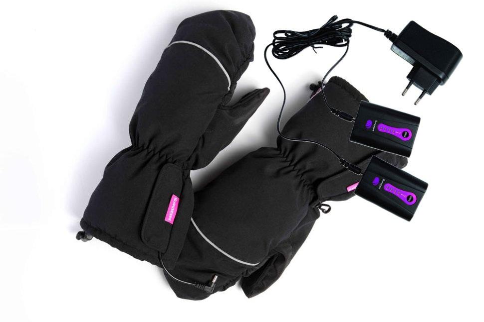 Рукавицы с подогревом Pekatherm GU930М+CP951Электрогрелки и электроодеяла<br>Рукавицы с подогревом GU930M&amp;#43;СР951 &amp;#40;аккумулятор&amp;#41;<br><br>- Нагревательный элемент: Электропроводящее композитное волокно<br>- Зона обогрева: Тыльная сторона руки и пальцы<br>- Питание: литиевые аккумуляторы Pekatherm СР951<br>- Напряжение: 4,5V &amp;#40;одноразовые&amp;#41; / 3,6V &amp;#40;заряжающиеся&amp;#41; / 7,4V &amp;#40;СР951&amp;#41;<br><br>Время работы аккумуляторов: <br>- Батарейка АА до 6 часов <br>- Аккумулятор АА &amp;#40;1800mAh&amp;#41; до 7,5 часов <br>- Pekatherm CP951 до 15 часов<br><br>Тип: рукавицы с подогревом<br>Емкость аккумулятора: 1800mAh<br>Мощность: 8W
