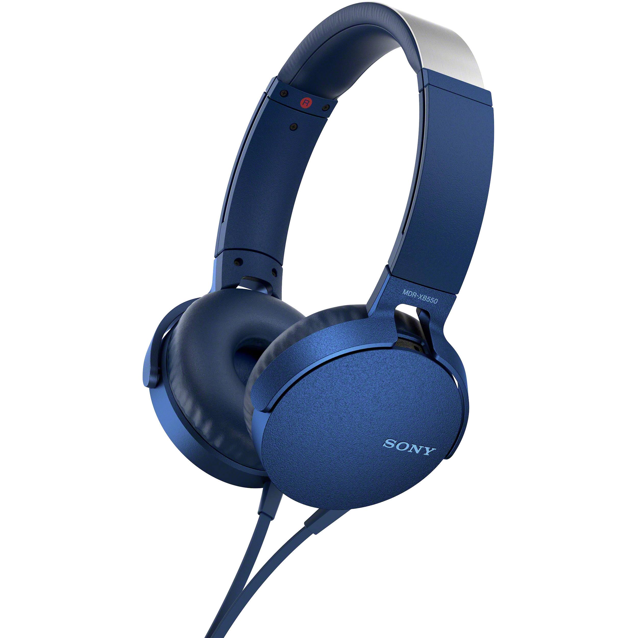 Наушники Sony MDR-XB550AP BlueНаушники и гарнитуры<br>Компания Sony представила новые наушники MDR-XB550AP с функцией EXTRA BASS - теперь музыка стала еще мощнее, громче и басистее.<br><br>Технология EXTRA BASS усиливает глубину и выразительность звука на низких частотах. Это значит, что вы сможете окунуться в мощное звучание и прочувствовать каждый бит. Диапазон воспроизводимых частот - 5 Гц – 22000 Гц.<br><br>Наушники представлены в пяти цветах – черный, красный, синий, зеленый и белый. Выглядят они очень круто и явно смогут дополнить ваш собственный стиль. Также вы сможете наслаждаться длительным комфортным прослушиванием ...<br><br>Тип: гарнитура<br>Тип акустического оформления: Открытые<br>Вид наушников: Накладные<br>Тип подключения: Проводные<br>Номинальная мощность мВт: 102<br>Диапазон воспроизводимых частот, Гц: 5 - 22000<br>Сопротивление, Импеданс: 24 Ом<br>Чувствительность дБ: 102<br>Микрофон: есть