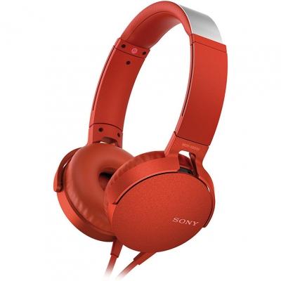 Наушники Sony MDR-XB550AP RedНаушники и гарнитуры<br>Компания Sony представила новые наушники MDR-XB550AP с функцией EXTRA BASS - теперь музыка стала еще мощнее, громче и басистее.<br><br>Технология EXTRA BASS усиливает глубину и выразительность звука на низких частотах. Это значит, что вы сможете окунуться в мощное звучание и прочувствовать каждый бит. Диапазон воспроизводимых частот - 5 Гц – 22000 Гц.<br><br>Наушники представлены в пяти цветах – черный, красный, синий, зеленый и белый. Выглядят они очень круто и явно смогут дополнить ваш собственный стиль. Также вы сможете наслаждаться длительным комфортным прослушиванием ...<br><br>Тип: гарнитура<br>Тип акустического оформления: Открытые<br>Вид наушников: Накладные<br>Тип подключения: Проводные<br>Номинальная мощность мВт: 102<br>Диапазон воспроизводимых частот, Гц: 5 - 22000<br>Сопротивление, Импеданс: 24 Ом<br>Чувствительность дБ: 102<br>Микрофон: есть