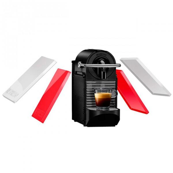 Кофеварка Delonghi EN 126 PixieКофеварки и кофемашины<br>Создайте свой яркий дизайн с новой компактной капсульной кофеваркой системы Nespresso со сменными цветными корпусами Pixie Clips EN126 от Delonghi.<br><br>Тип : капельная кофеварка<br>Тип используемого кофе: Капсулы<br>Тип капсул: Nespresso<br>Мощность, Вт: 1260<br>Объем, л: 0.7<br>Материал корпуса  : Металл<br>Одновременное приготовление двух чашек  : Нет<br>Контейнер для отходов  : Есть<br>Съемный лоток для сбора капель  : Есть