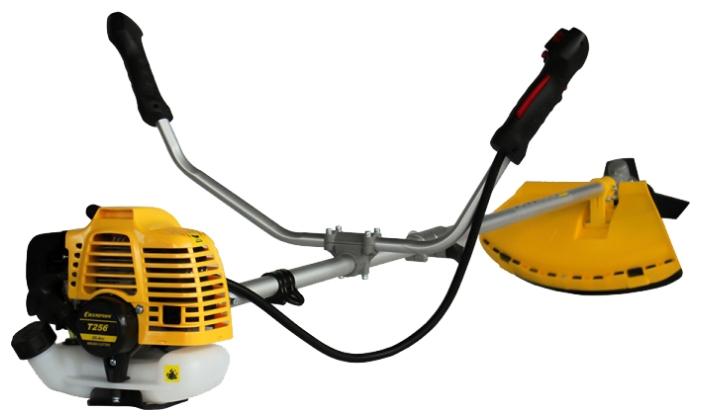 Триммер Champion T256Газонокосилки и триммеры<br><br><br>Тип: триммер<br>Тип двигателя: бензиновый<br>Ширина скашивания, см: 41<br>Дополнительно: ширина скашивания ножом - 25.5см<br>Мощность двигателя (Вт): 700<br>Мощность двигателя (л.с.): 0.95 л.с.