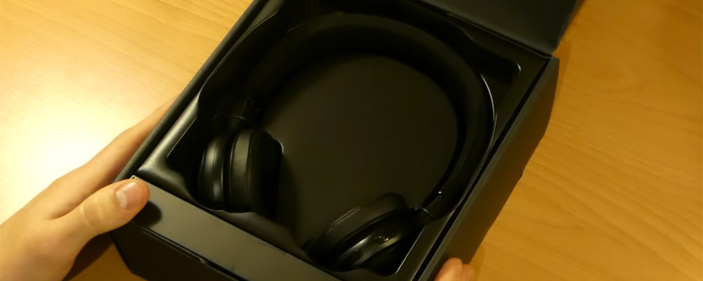 jbl-e45-bt-black-box.jpg